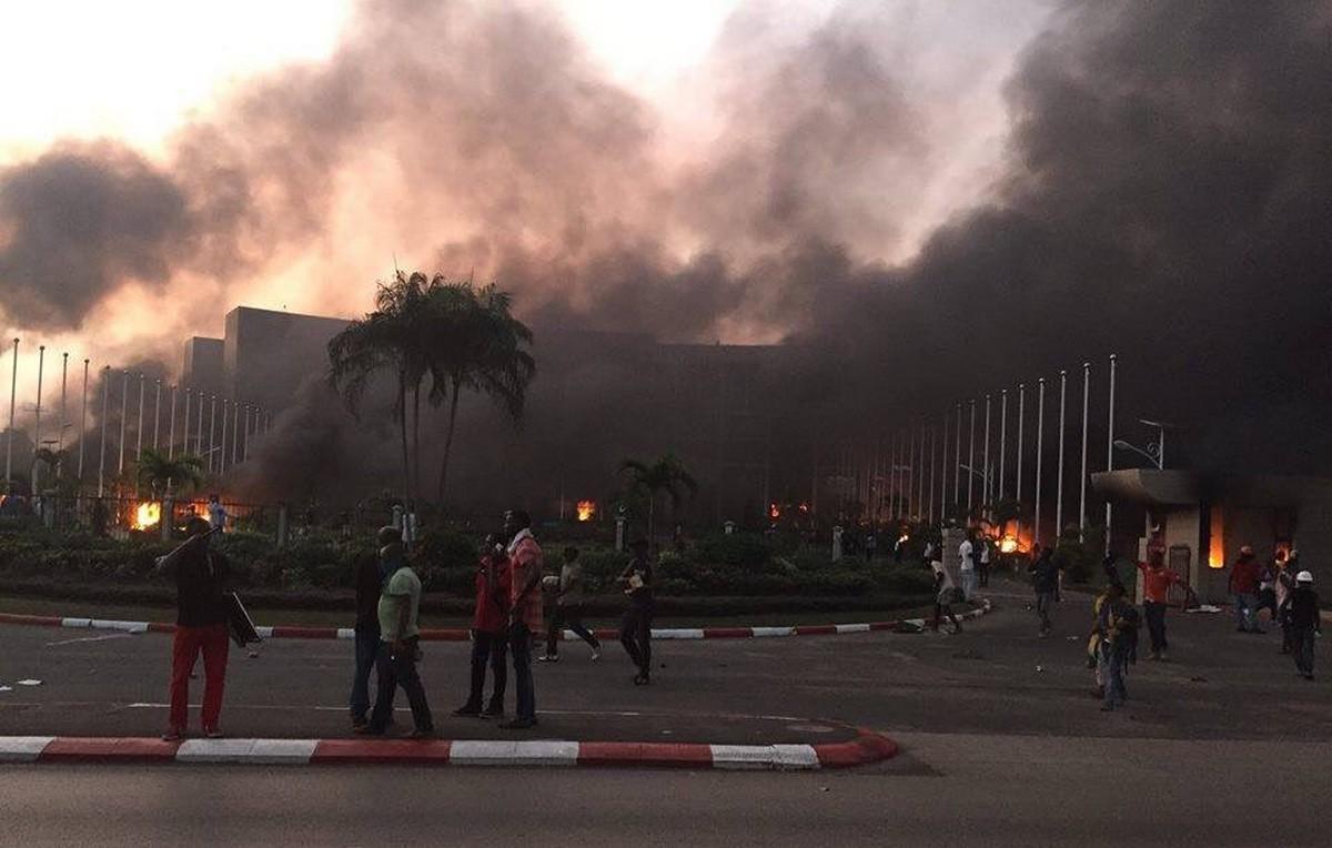 Gabon en feu