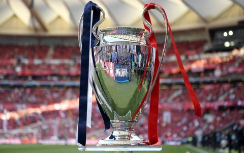 Coupe Finale Ligue des Champions Liverpool- Champion Ligue