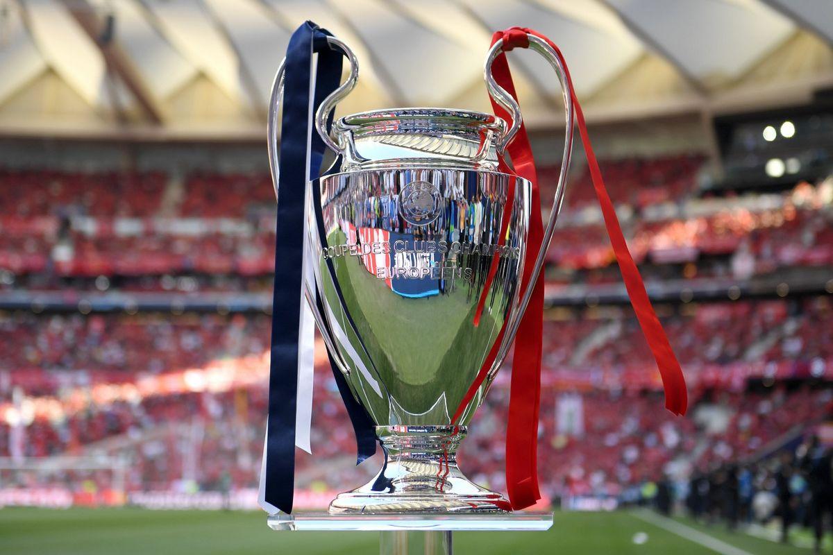 Coupe Finale Ligue des Champions Liverpool- Champion Ligue