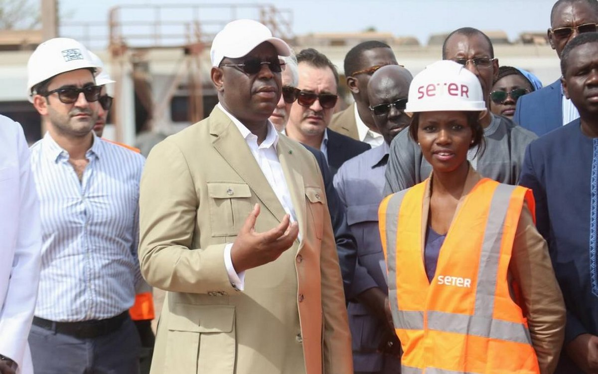 Macky Sall visite les chantiers du TER